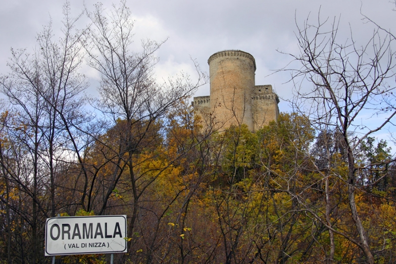 Oramala_castello by Alessandro Vecchi